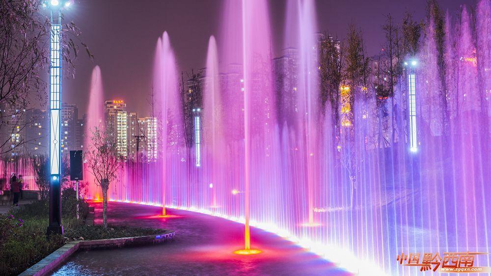 贵州最大的音乐喷泉竟然在兴义