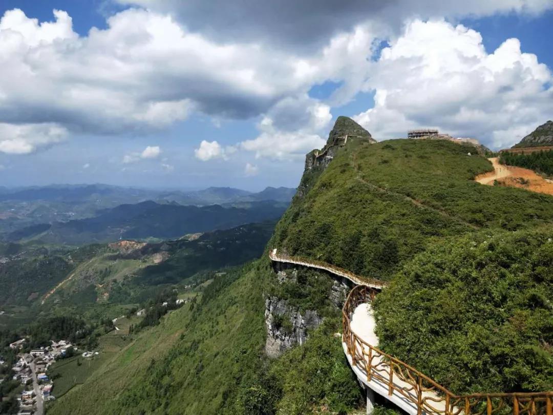 兴义白龙山生态旅游度假区一期预计今年10月开放