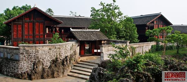 木结构中式房屋内