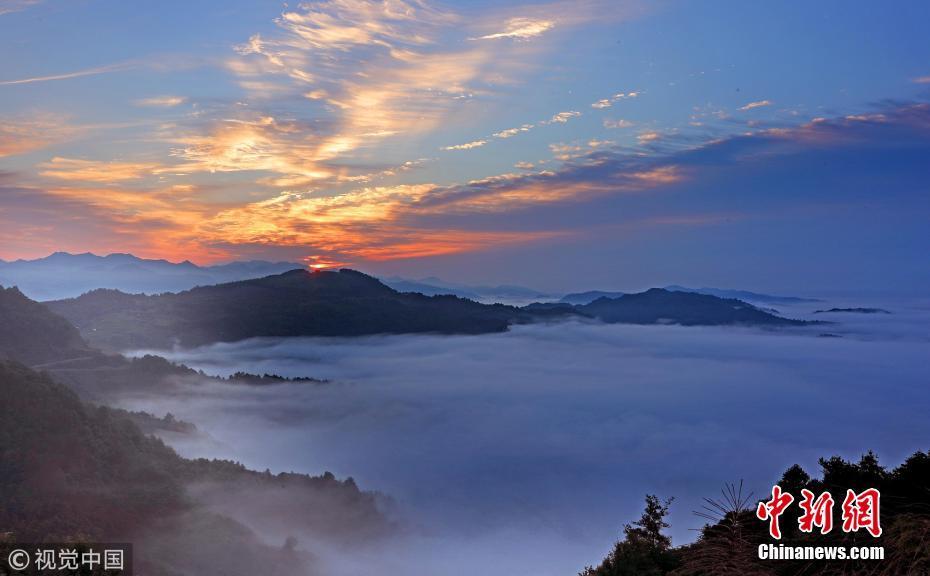 旅游频道 旅游资讯   6月7日,在安徽黄山齐云山风景区拍摄的壮美云海.