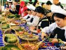 贞丰糯食在黔西南州民族民间艺术体验展上深受喜爱