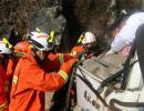 货车碰撞山体一女子被困 贵州免费注册即送体验金官网消防成功营救