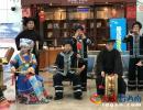 """兴义机场上演""""快闪""""活动 旅客纷纷掏出手机拍摄"""